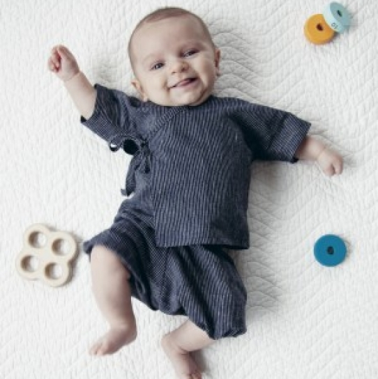 baby\'s kimono top - Free sewing patterns - Sew Magazine
