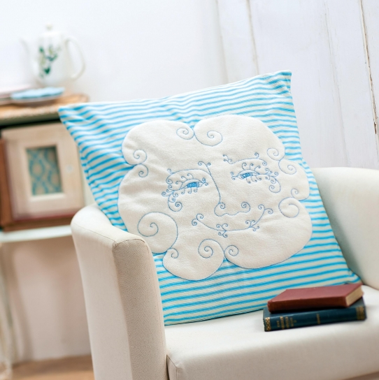 Striped Cloud-shaped Cushions - Free sewing patterns - Sew Magazine