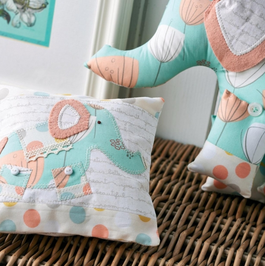 Art Gallery Fabric Elephant and Pillow - Free sewing patterns - Sew ...