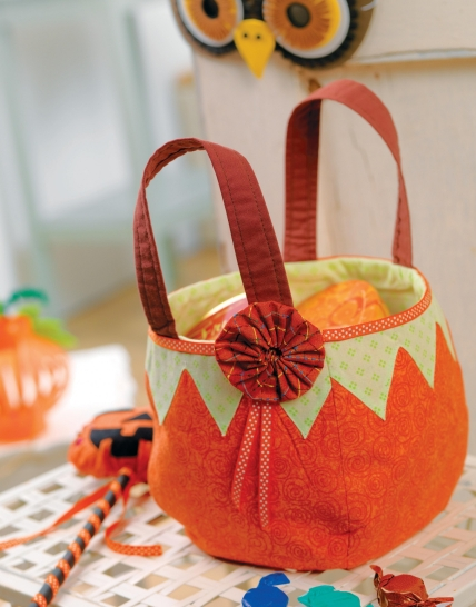 Halloween Pumpkin Treat Bag And Wand Free Sewing