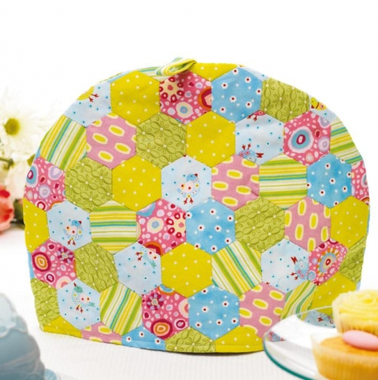 English Paper Pieced tea cosy - Free sewing patterns - Sew Magazine