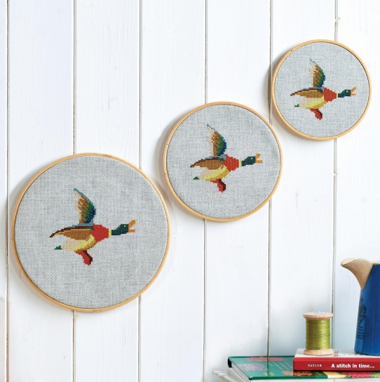 Embroidered Flying Ducks Wall Hanging - Free sewing patterns - Sew ...