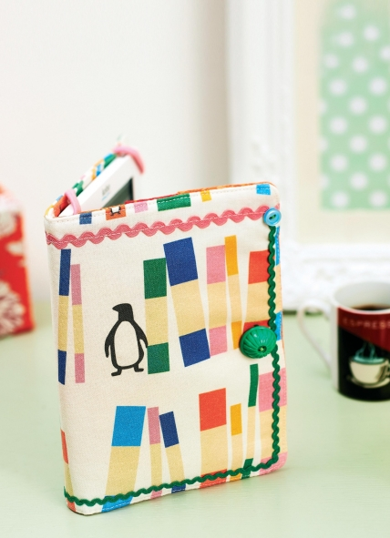 Book Cover Pattern Uk : Penguin book print ebook reader cover free sewing