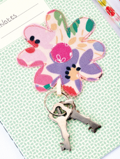 Sew 136 May 20 Daisy Keyring
