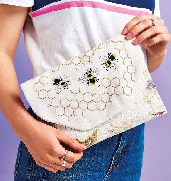 Sew 123 May 19 Bumblebee Clutch