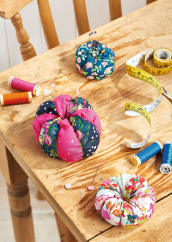 Sew 128 October 19 Pumpkin Pincushions