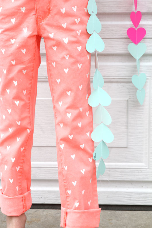 25 Quick And Easy Fashion Upcycling DIYs - Sewing Blog ...
