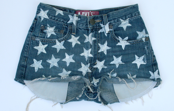 DIY star stencil shorts