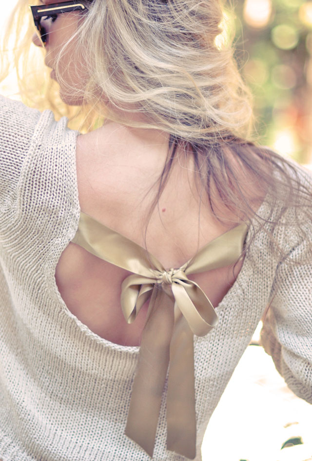 Ribbon bow back jumper