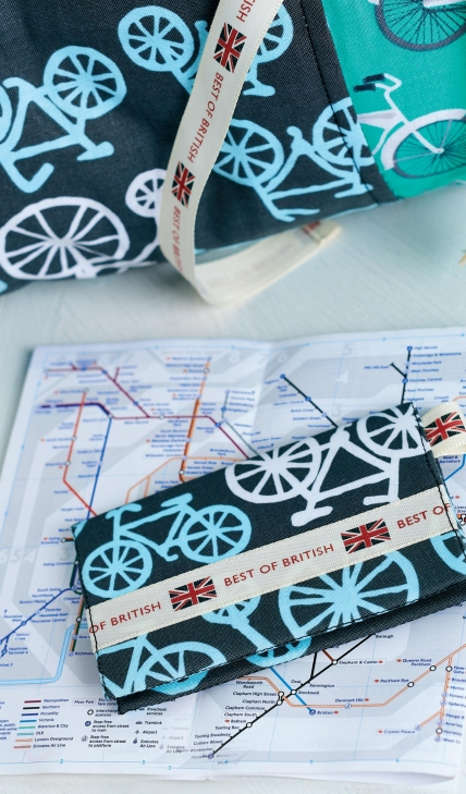 https://www.sewmag.co.uk/images/made/images/uploads/patterns/Bike_Cushion_and_Card_Wallet_1_428_729_s_c1.jpg