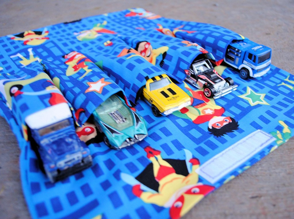 Sew a travel car carrier for kids