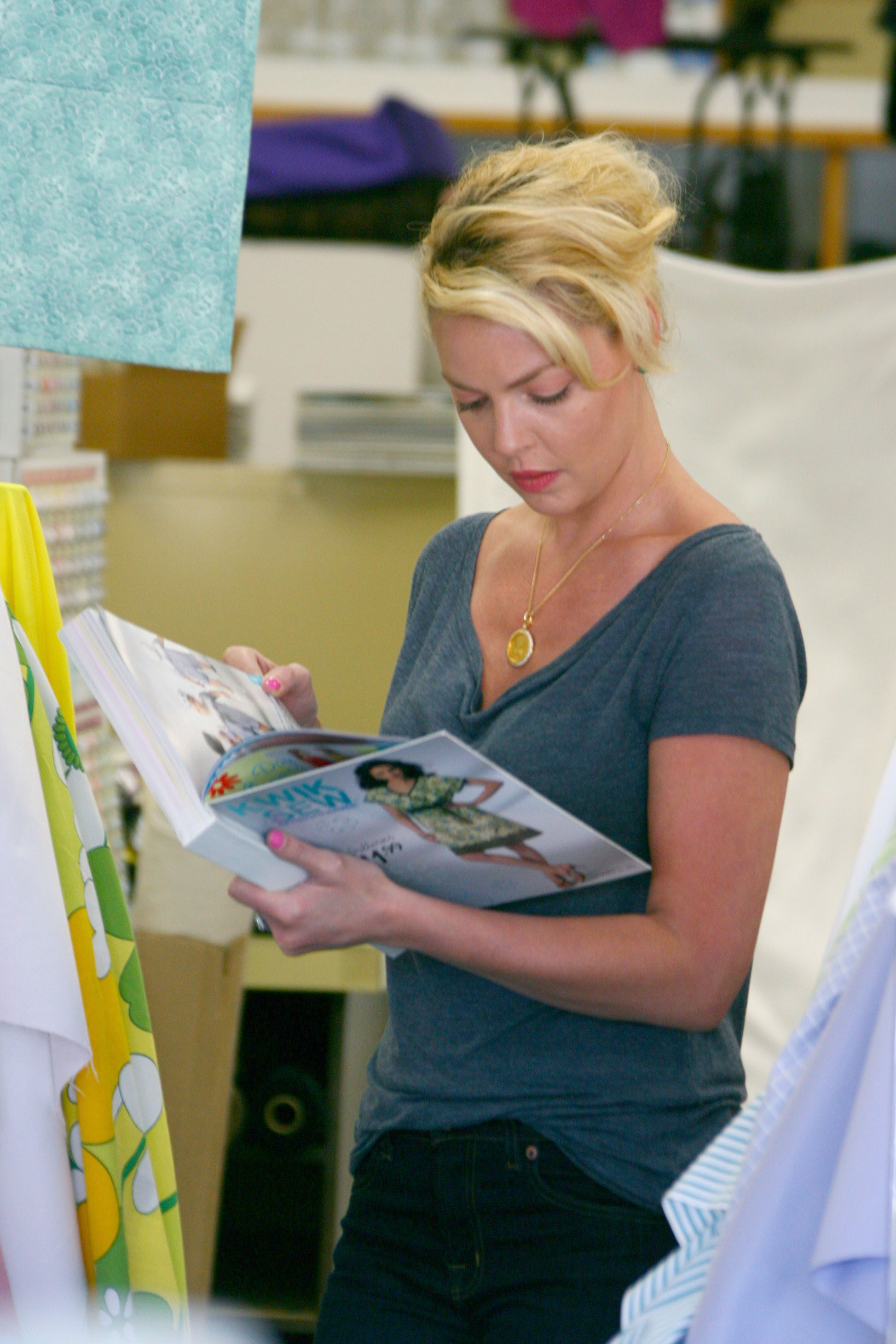 Katherine Heigl fabric pattern shopping