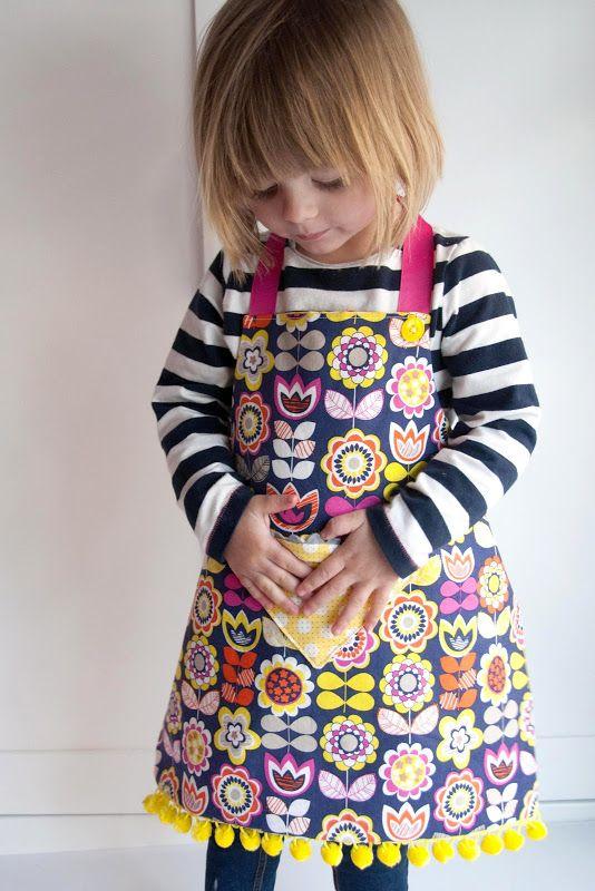 Kids apron free sewing pattern