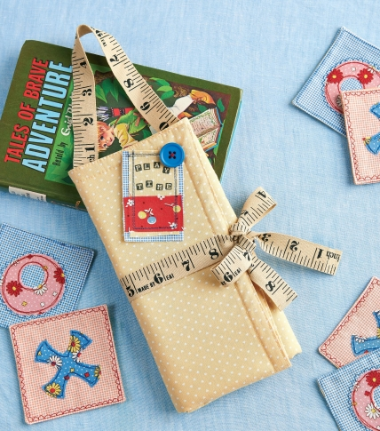 Sew a travel Noughts and Crosses game