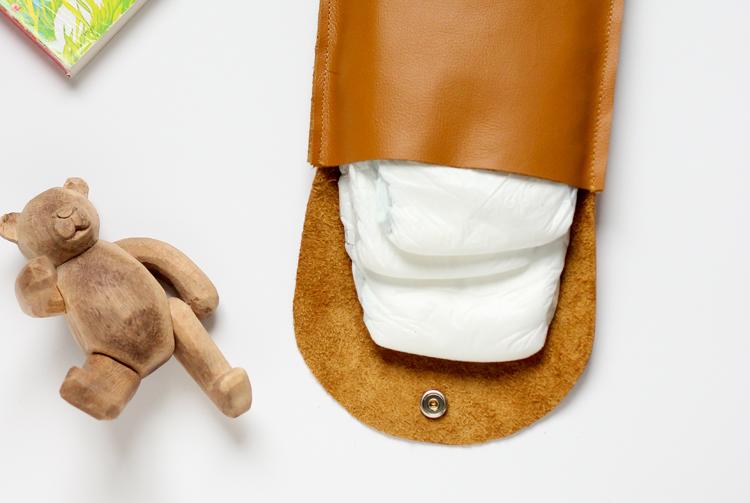 http://www.deliacreates.com/wp-content/uploads/2015/04/leather-diaper-clutch-30-of-300413.jpg