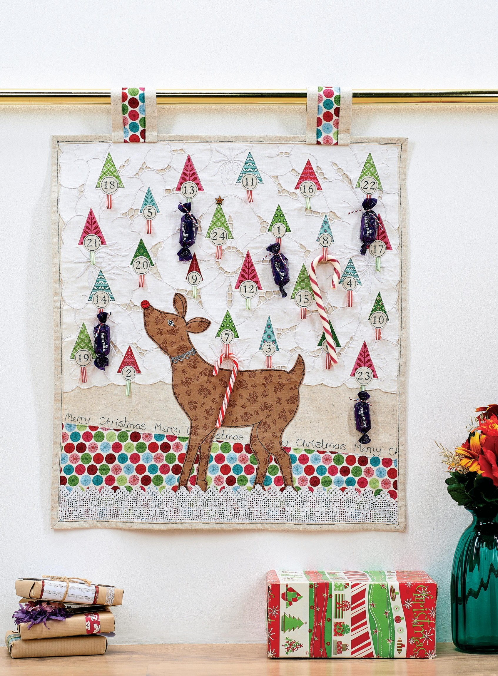 Diy Sewing Advent Calendar : Reindeer fabric advent calendar free sewing patterns