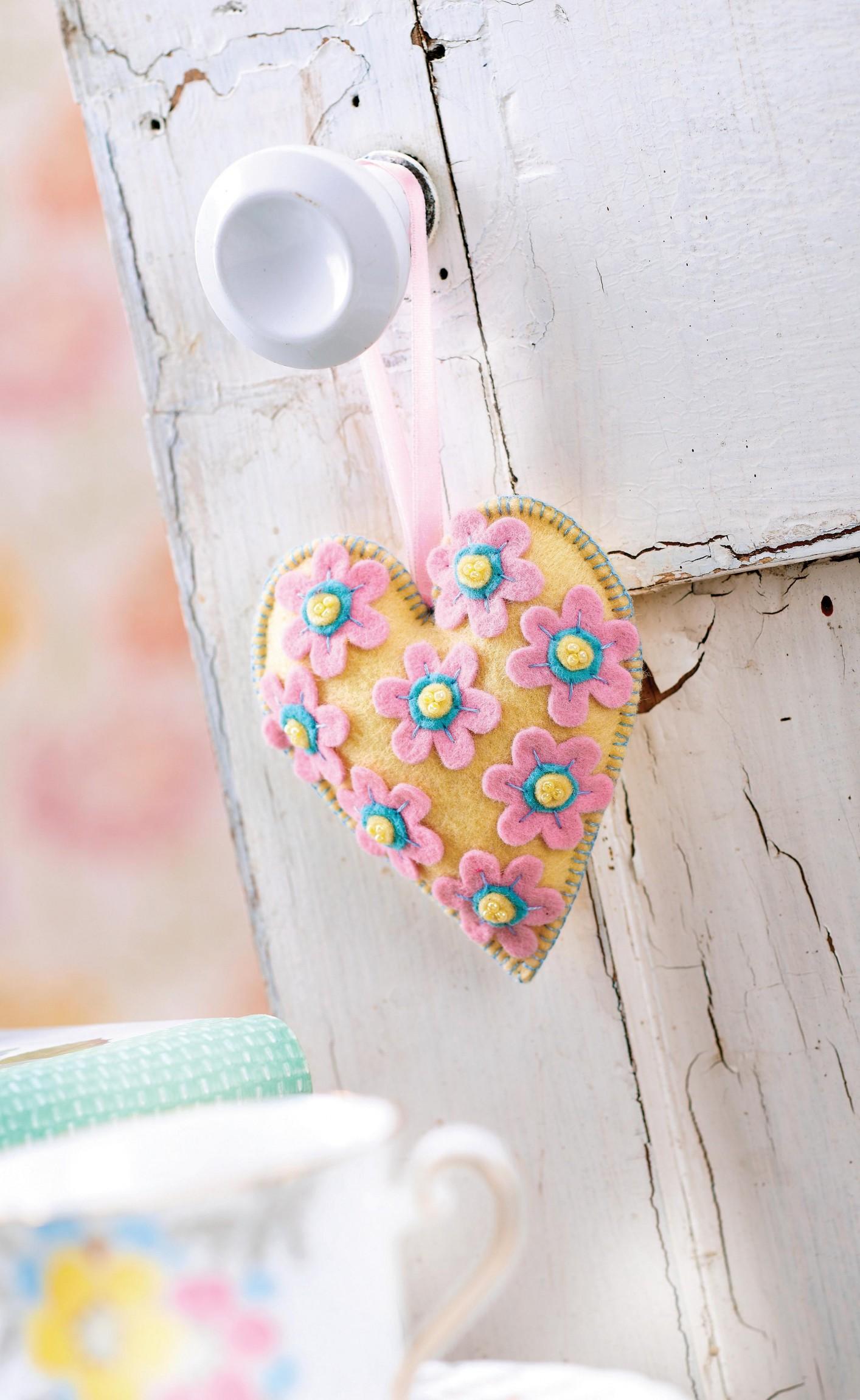 Padded Heart Felt Decoration Free Sewing Patterns Sew