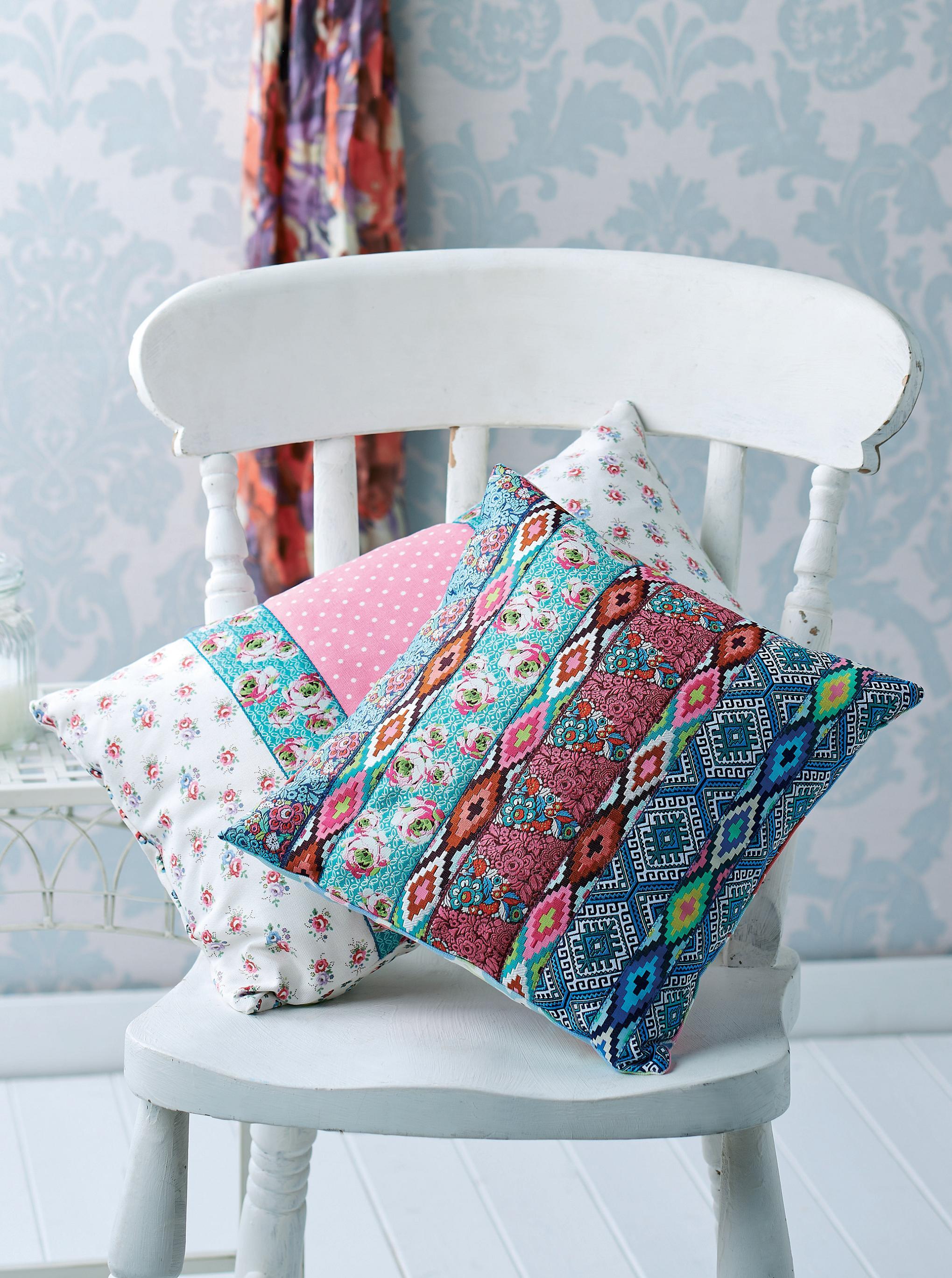 Renaissance Ribbons Brocade Braid Cushions Free Sewing