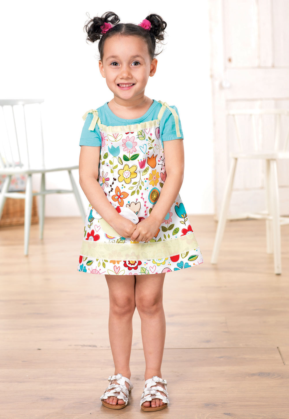 66bffe93658d Girl s patch pocket summer dress - Free sewing patterns - Sew Magazine