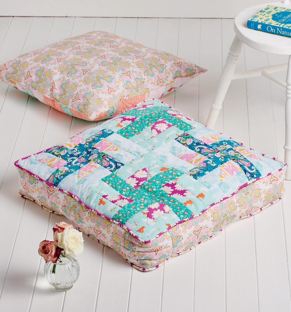 Pinwheel floor cushions - Free sewing patterns - Sew Magazine